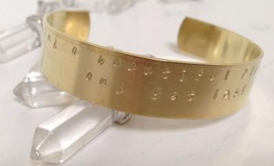 armband met eigen tekst in goud kleur